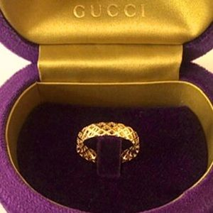 New Authentic Gucci 18k Gold Ornate Ring Size 6.5